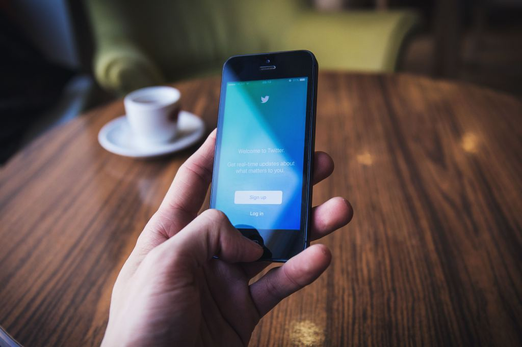 How To Use Twitter: The Definitive Guide for New Businesses