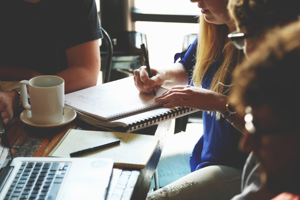5 Types of Writing Prompts for BusinessBlogs