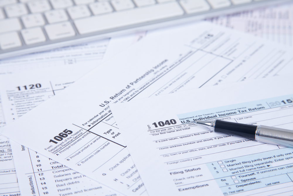 Online Business Tax Filing: How to Report Income From Your Website