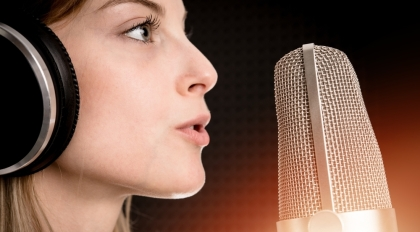 Female voices are perceived as more trustworthy